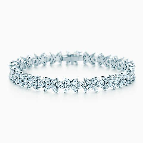 Pulseira Alternating Tiffany Victoria™ em platina com diamantes.