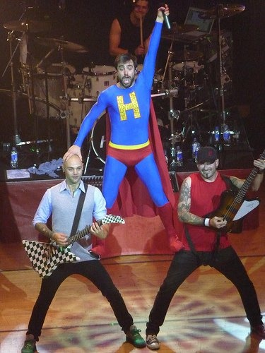 Super Hedley!