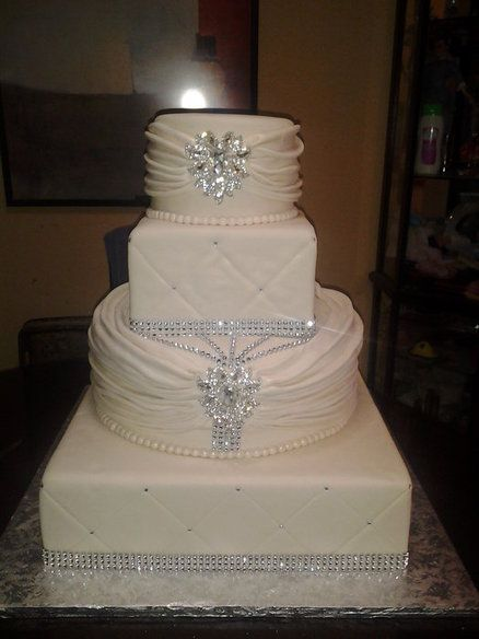 diamond wedding cakes 17 best ideas about wedding cakes on 13514