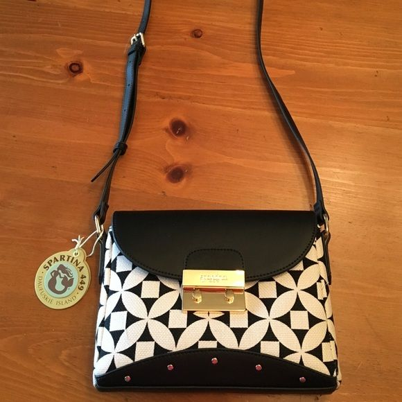 Spartina Kiawah Push Lock Hipster This black, white, and mint purse is an adorable neutral for both summer and winter! Brand new! Never been used! $123 value! Would make the PERFECT gift for that stylish friend or loved one (or yourself! ;) )! This purse is in perfect condition! Adjustable cross body strap and light weight! Contact me with any questions, comments, concerns, or offers and we'll get on that! Spartina Bags Crossbody Bags