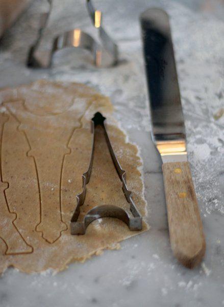 Eiffeltorn litet - Fin bakform i rostfritt stål producerad i Frankrike   Leila Lindholm