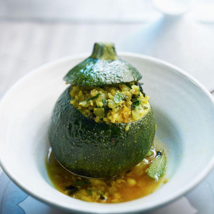 Découvrez la recette Courgette ronde farcie au riz sur cuisineactuelle.fr.