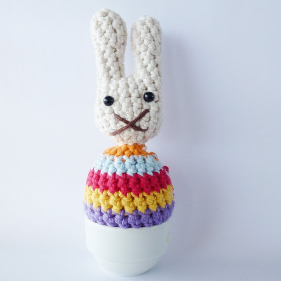 Happy Easter! ♥ Crochet Pattern for Egg Cosies. costs though for pattern