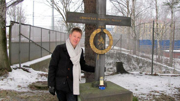 Per Sinding-Larsen ved graven til Christian Magnus Falsen - For 200 år siden sto tipp-tipp-tipp-oldefaren til den svenske programlederen Per...