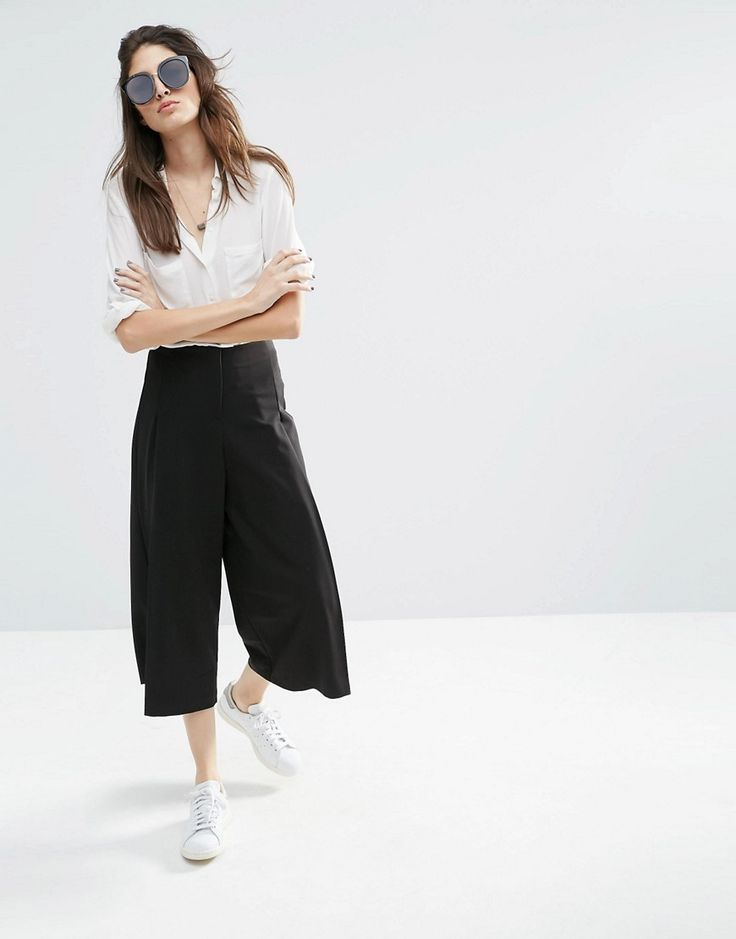 Perfect Pair: Culottes and Button Down Shirt by http://www.peopleandstyles.com/2016/06/fashion-perfect-pair-culottes-button-shirt.html