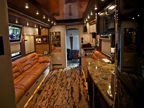 Rustic Touches and Country Themes Highlight Zac Brown's Deluxe Tour Bus : Rooms : Home & Garden Television