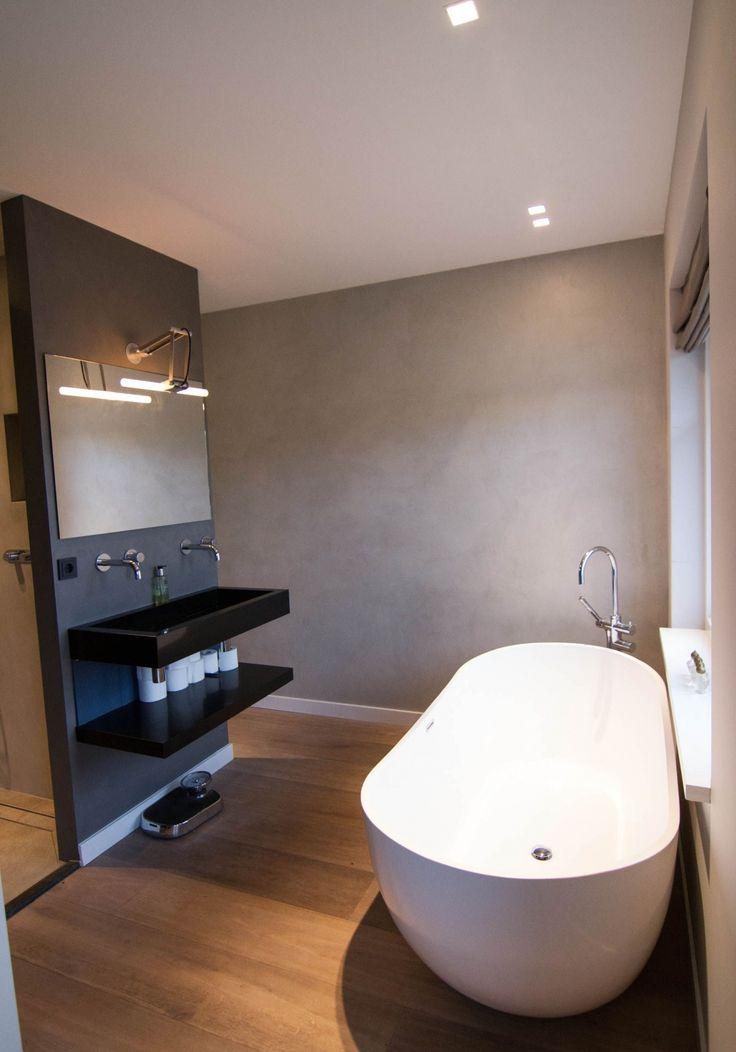 28 beste afbeeldingen over beton cire schuit stukadoor op pinterest badkamer grijs - Amenager badkamer ...