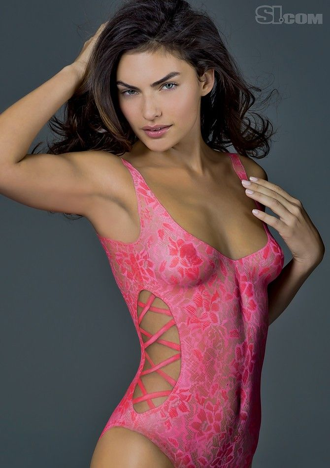 Alyssa miller sports illustrated swimsuit 2011 body for Harvey s paint and body