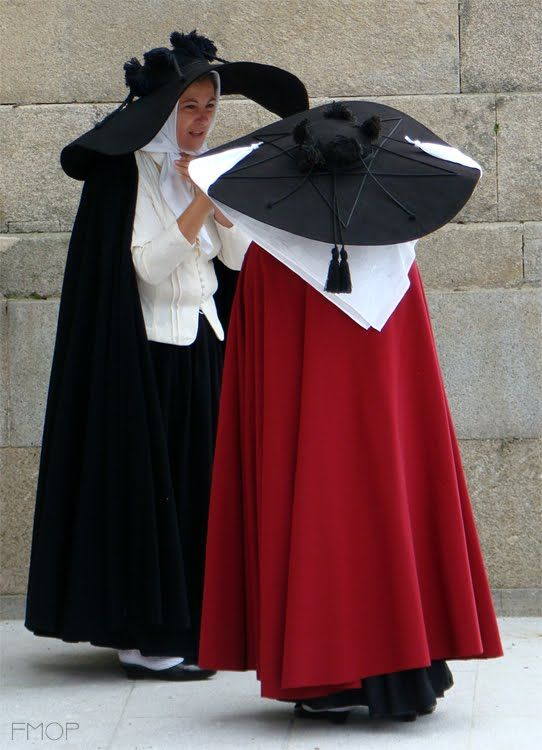 Trajes de Portugal: Mulher do Chapeirão - Ovar - Typical Costume from Ovar, Portugal