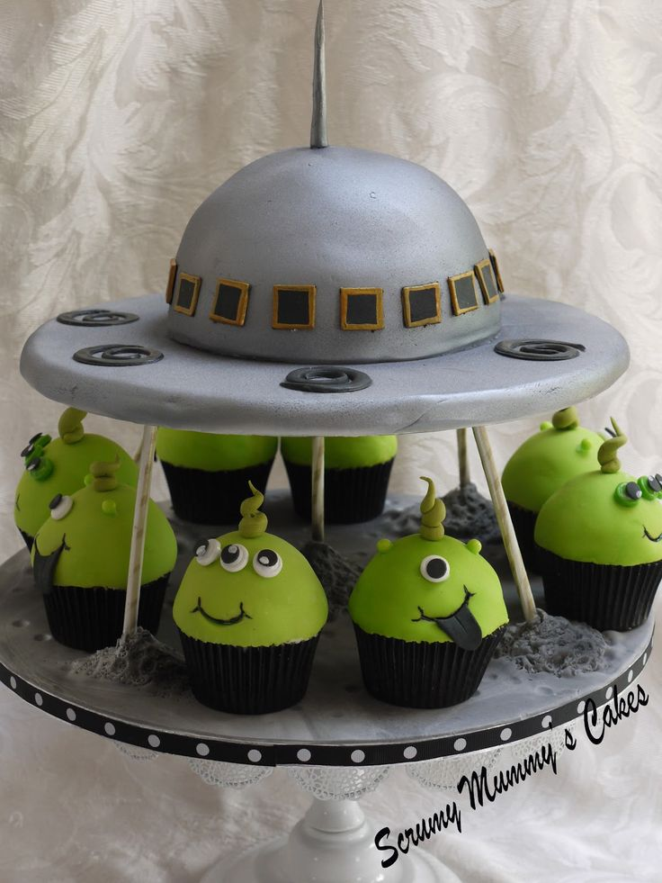 Adorable Flying Saucer Cake and Matching Cupcakes by Scrummy Mummy's Cakes