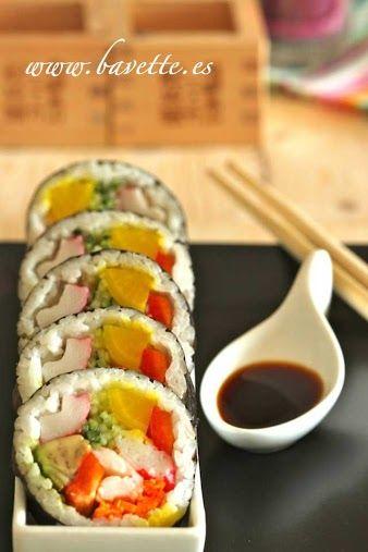 Sushi de verduras y langostinos. FUTOMAKI