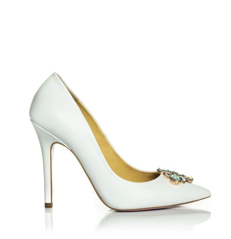 QUEEN YES classy handmade wedding shoes  #weddingshoes #handmadeweddingshoes #realleather #weddingideas #bridal #bridaldream #bridalstyle