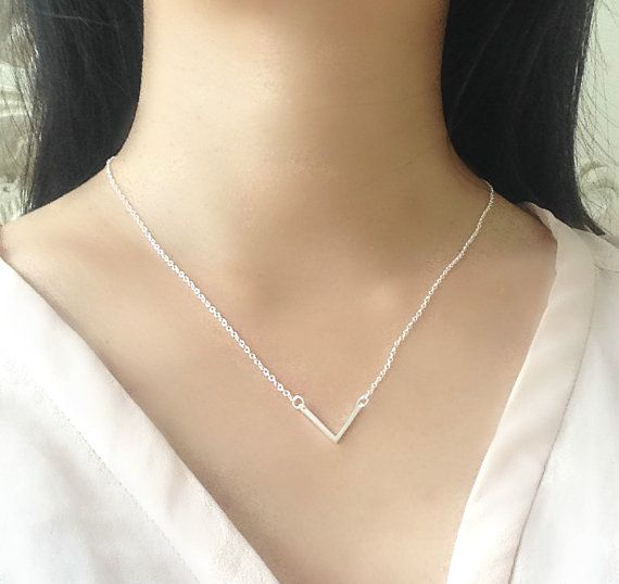 925 Sterling Silver - V Triangle Simple Necklace  Material: 925 sterling silver (We also have 18K yellow gold)  Length of necklace: 45 cm / 18 Pendant