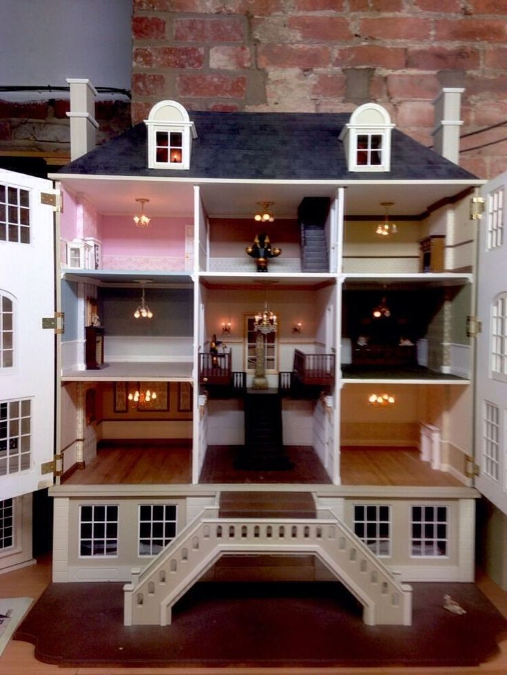 17 best images about dollhouses european style on for Big modern dollhouse