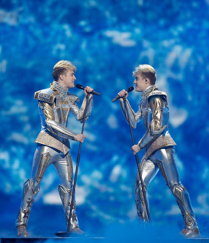 =:) =:) <3 <3 Which Jedward Are You?
