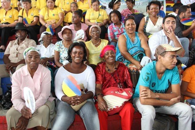 El público, a punto de disfrutar Notas de Independencia.  Crédito: Miltón Ramírez. MinCultura 2012.