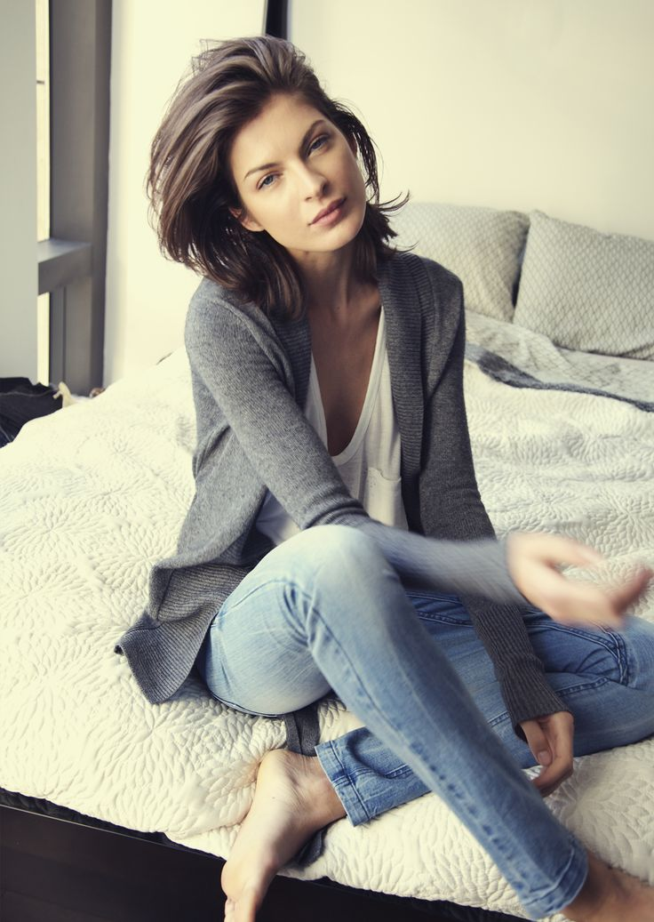 soft grey cashmere cardigan over simple white t and vintage jeans for a casual weekend
