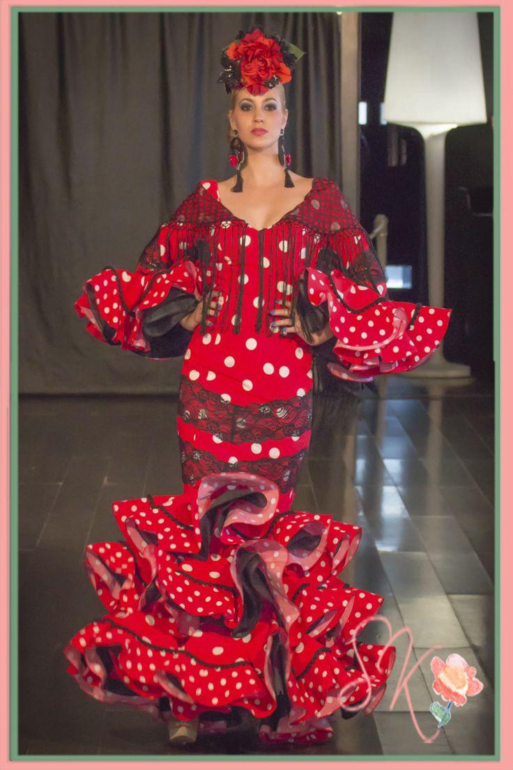 Costume rouge flamande avec pois blancs angela campos - Colores que combinan ...