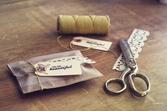 PackagingSimple Packaging, Vintage Packaging, Gift Wraps, Hello Friends You Are Love, Simple Gift, Diy, Pretty Packaging, Packaging Jewelry, Packaging Ideas