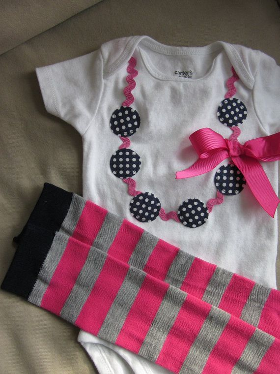 necklace applique onesie with leggings. oh so cute