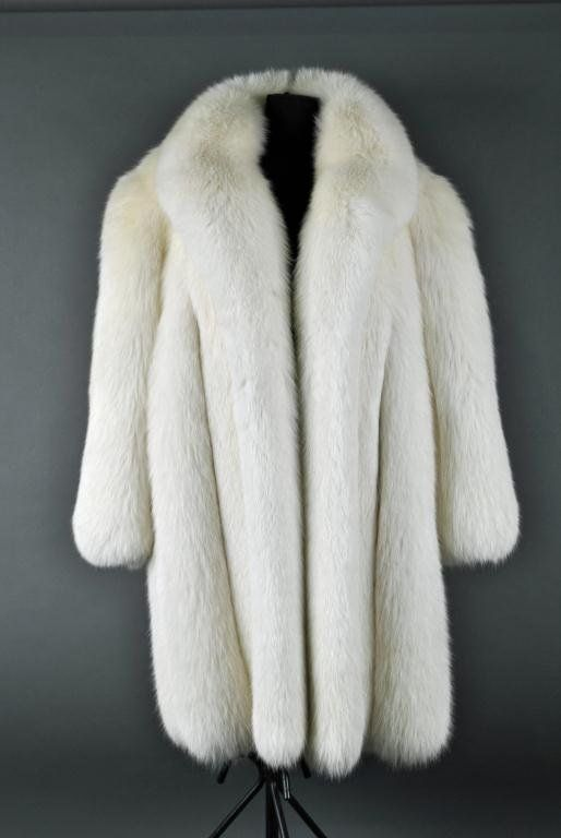 black and white fur coats | 25: GALANOS NATURAL WHITE FOX FUR COAT : Lot 25