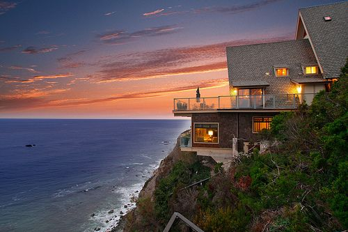 sunsurfer:  Beach House, Laguna Beach, California  photo by mdesign