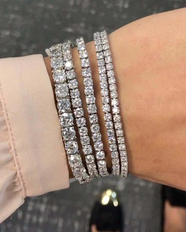 Diamond Tennis Bracelet Which Are Eye Catching Diamondtennisbracelet Tennis Bracelet Diamond Diamond Bracelets Jewelry Bracelets