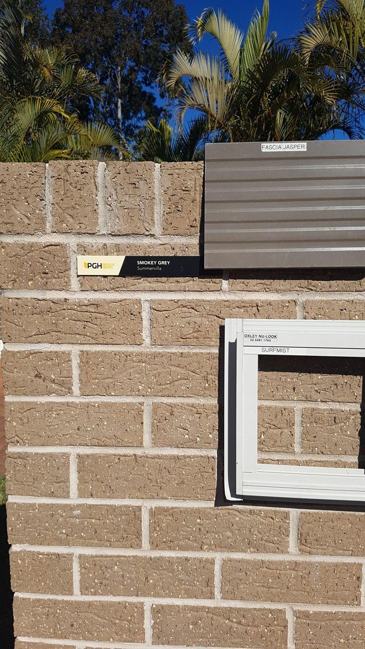 Best Pgh Smokey Grey Brick Jasper Colorbond Roof Surfmist 640 x 480
