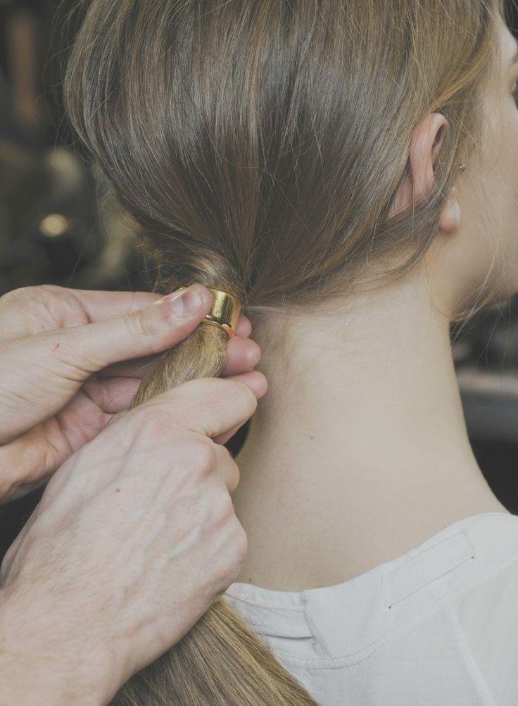 porter elastique cheveux
