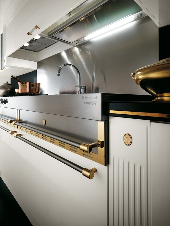 Baccarat by Gianni Pareschi. Classical and modern, the latest fashion. #kitchens #Scavolini
