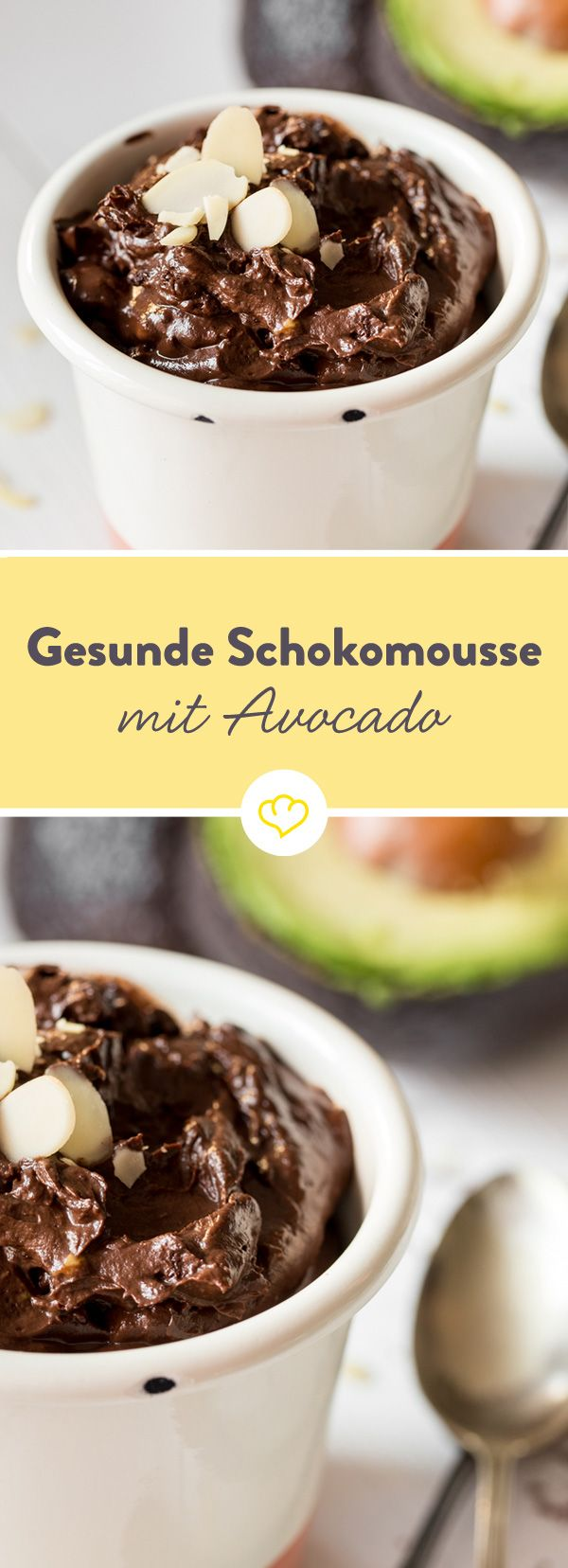 Eine gesunde Schokomousse? Ja bitte! Schokolade durch Kakao, Sahne durch Avocado und Zucker durch Ahornsirup ersetzen - blitzschnell zusammengerührt.