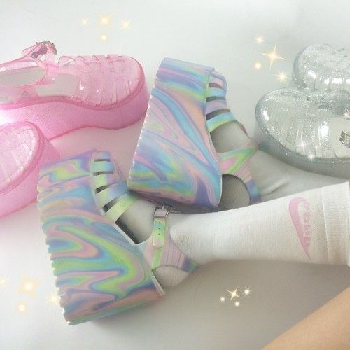 Sapato Plataforma Holográfico