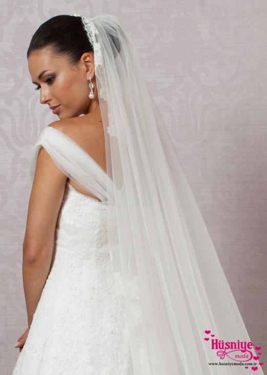 Duvak Modelleri 2017 Duvak, dantelli, uzun, işsiz #husniyemoda #weddingdress