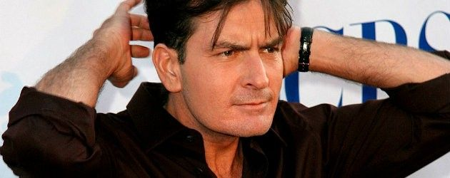 Charlie Sheen Beverly Hills House On The Market  READ MORE at http://losangeleshomes.eu/celebrity-homes/charlie-sheen-beverly-hills-house-on-the-market/  #LosAngelesHomes #LuxuryHomes #CelebrityHomes #ModernInteriorDesign #CharlieSheen #BeverlyHills @charlishin2and