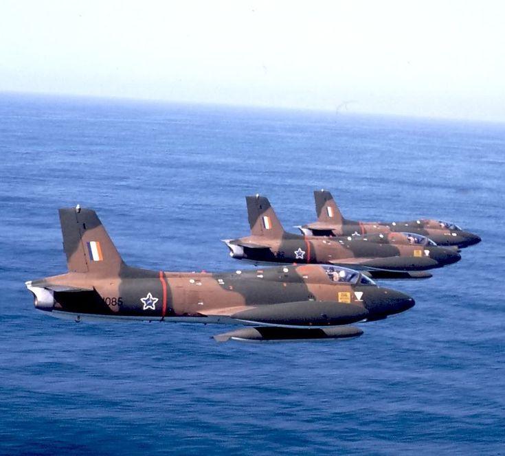 Saaf Impalas - Caza ligero monomotor designado como entrenamiento avanzado (Mk I) y ataque terrestre cercano (Mk II), ensamblado en Sudáfrica bajo licencia italiana del Aermacchi MB-326.