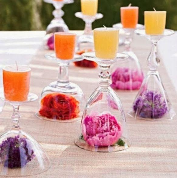 Centro Tavola fai-da-te con bicchieri, candele, fiori ed un po' di fantasia!