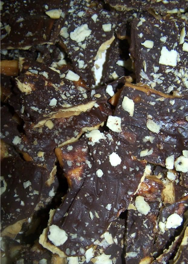 Saltine cracker toffee - Easy, cheap, and addictive