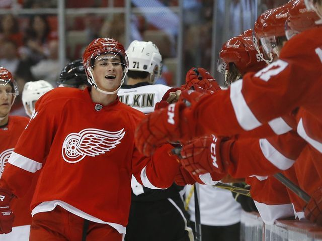 Dylan Larkin makes team as Detroit Red Wings finalize opening roster