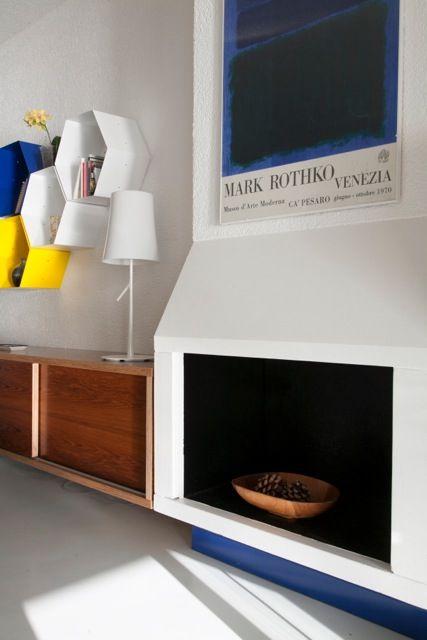 Arch. Tommaso Rossi Fioravanti// Barbara Monica . Linearità, colori decisi e tipicamente marini: il bianco, il giallo, il blu