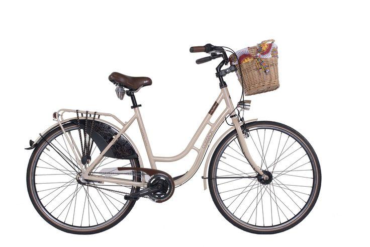 """Dámské retro kolo Cossack Classic City 19,5""""/3r, hnědé Dámské městské kolo v retro stylu Cossack Classic City s 3 rychlostním řazením a lehkým hliníkovým rámem bylo navrženo pro eleganci i pro Váš komfort. Konstrukce tohoto kola byla vytvořena pro snadný pohyb ve městě. Jeho neoddělitelnou součástí je stylový košík pro možnost přepravy nákupu, tašky do práce, kabelky nebo věcí nezbytných pro piknik.  Nechybí ani pevný zadní nosič. O Váš komfort se postará velké pohodlné sedlo, které doladí…"""