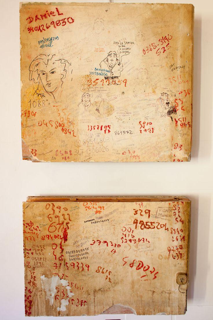 Oltre 25 fantastiche idee su parete dietro il letto su - Famoso letto di tortura ...