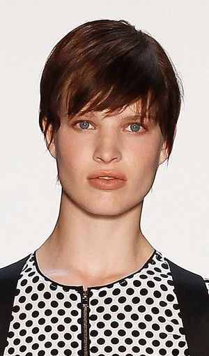 In this gallery, I share photos of super short, edgy hairstyles. You'll get tips on best products, how to style hair and ideas for your next cut.: Short, Boyish Cut Seen on the Runway