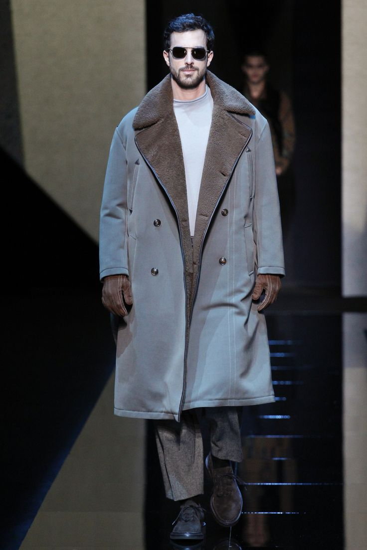 Mens leather driving gloves melbourne - Giorgio Armani Fall 2017 Menswear Fashion Show