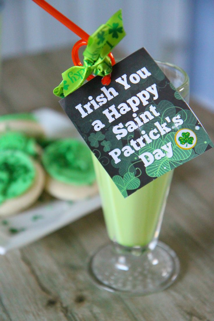 St. Patrick's Day Straw Tags (free printable) from MomAdvice.com.