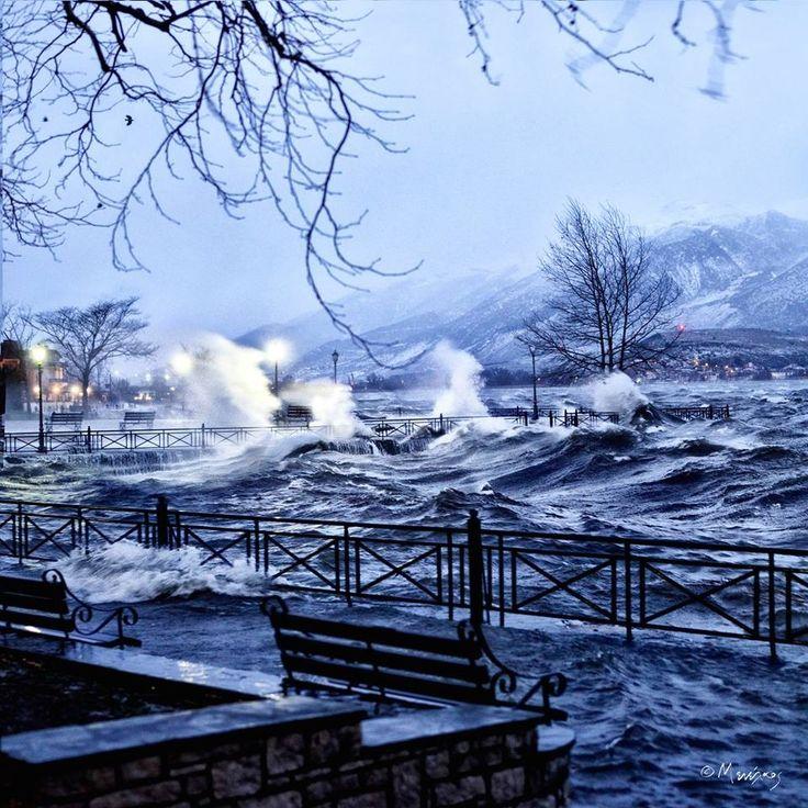Λίμνη Ιωαννίνων, με χειμωνιάτικη φουρτούνα
