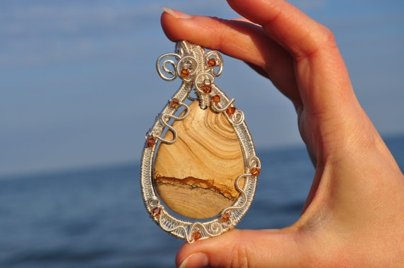 Desert sun  wire wrapped pendant by Livingforce on Etsy, $101.00