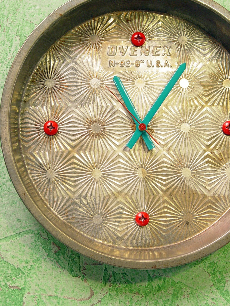 Wall Clock, kitchen wall clock. Recycled, repurposed vintage cake pan - Ovenex starburst pattern. $29.00, via Etsy.