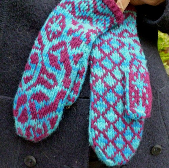 The motifs on the River dreams mittens knitting pattern echo the visions inspired by the fluid lines of a jungle river. The patterns on the mitten fronts mirror each other. They have Selbu style thumb and a patterns cuff.  Click through to purchase. #selbu #riverdreams #shipibo  #KunstwerkDesigns