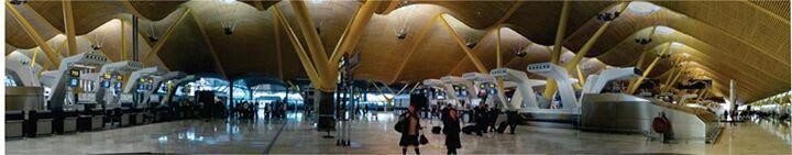 Estacion T4, Aeropuerto Barajas, Madrid. Arq. Norman Foster