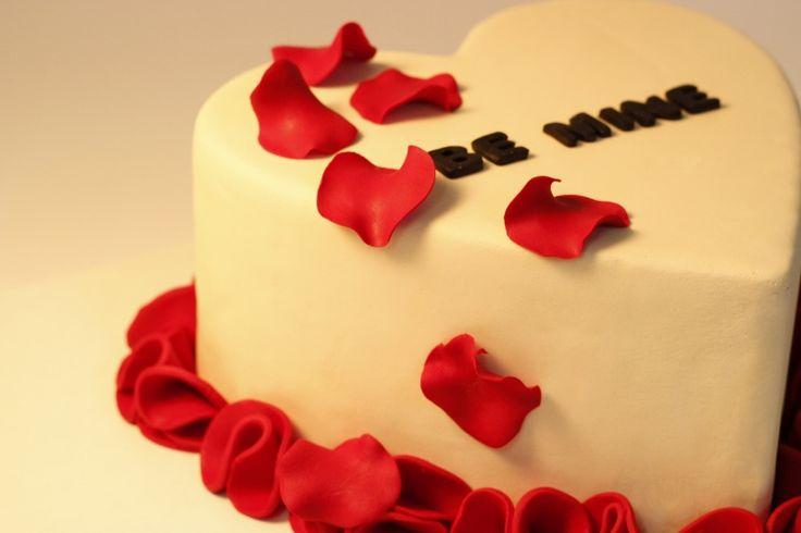 Sevgililer Günü hediyeleri, fikirleri; Valentines Day Gifts, Ideas, be mine, pasta, cake, şeker hamuru